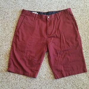 Volcom men's wine colored 11 inch shorts, EUC